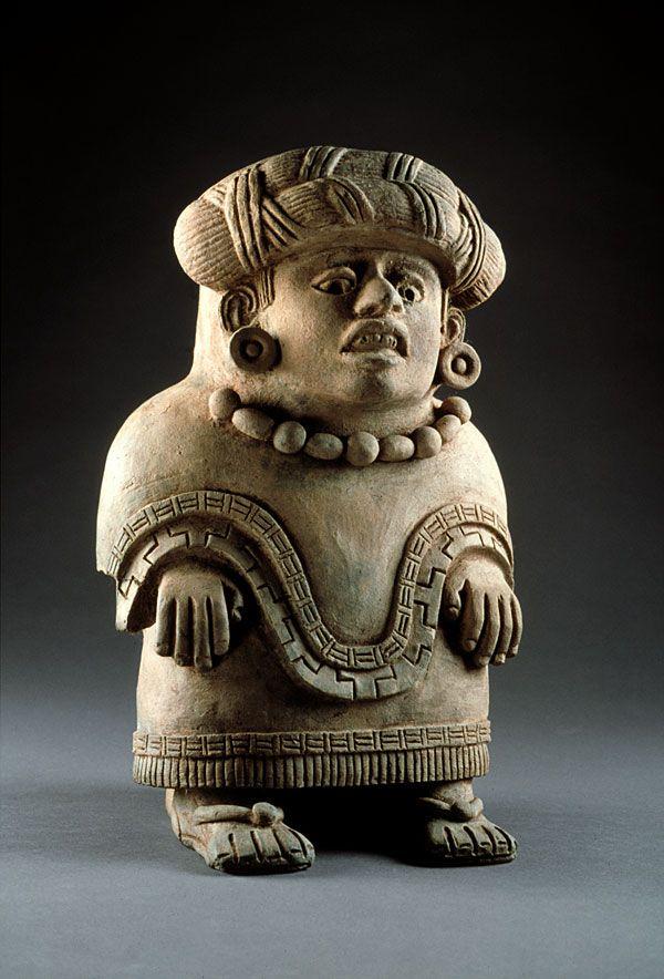 Urna con forma femenina zapoteca, Probablemente del periodo clásico medio (400-600 D.C.)